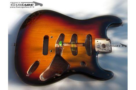 Corps Fender Stratocaster Classic Player 60s Sunburst 3 tons