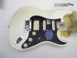 Corps assemblé Fender Stratocaster American Deluxe HSS Olympic Pearl