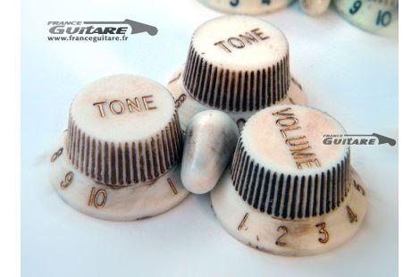 Jeu de boutons de potentiomètres Stratocaster Vintage White aged relic
