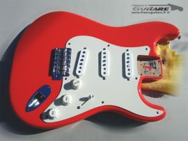 Loaded Body Fender Stratocaster Classic Series 50s Fiesta Red