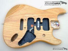 1 Corps Fender Stratocaster American Standard Natural Ash