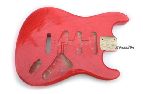Corps Stratocaster American Vintage 60s Frêne Fiesta Red Translucide
