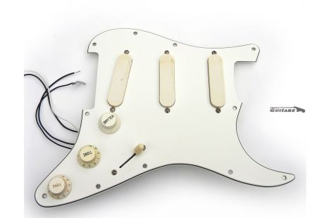 Loaded Pickguard Fender Strat Plus 1991 Lace Sensor Gold TBX