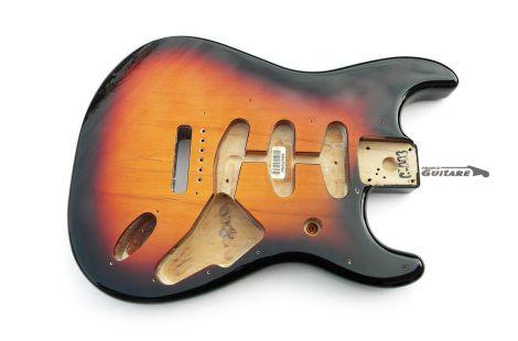 Corps Fender Stratocaster Classic Series 60s Sunburst 3 Tons