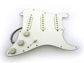 Pickguard assemblé Stratocaster Original Vintage 65 treble bleed