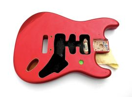 Corps Fender Stratocaster Deluxe Roadhouse Candy Apple Red HSH