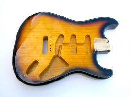 Corps Fender Stratocaster Body frêne 1954 commemorative 2 tons sunburst