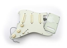 Loaded Pickguard Stratocaster American Deluxe Noiseless N3 Mint Green