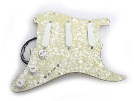 Loaded Pickguard Fender Strat Plus Deluxe 1990 Aged Pearl Lace Sensor