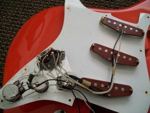 fender-red-bobin-80s