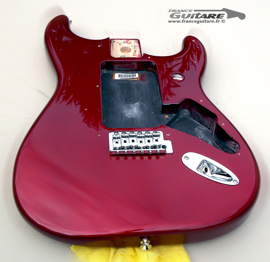 Corps De Guitare Fender U00ae Stratocaster Blacktop Candy Apple Red Avec Hardware